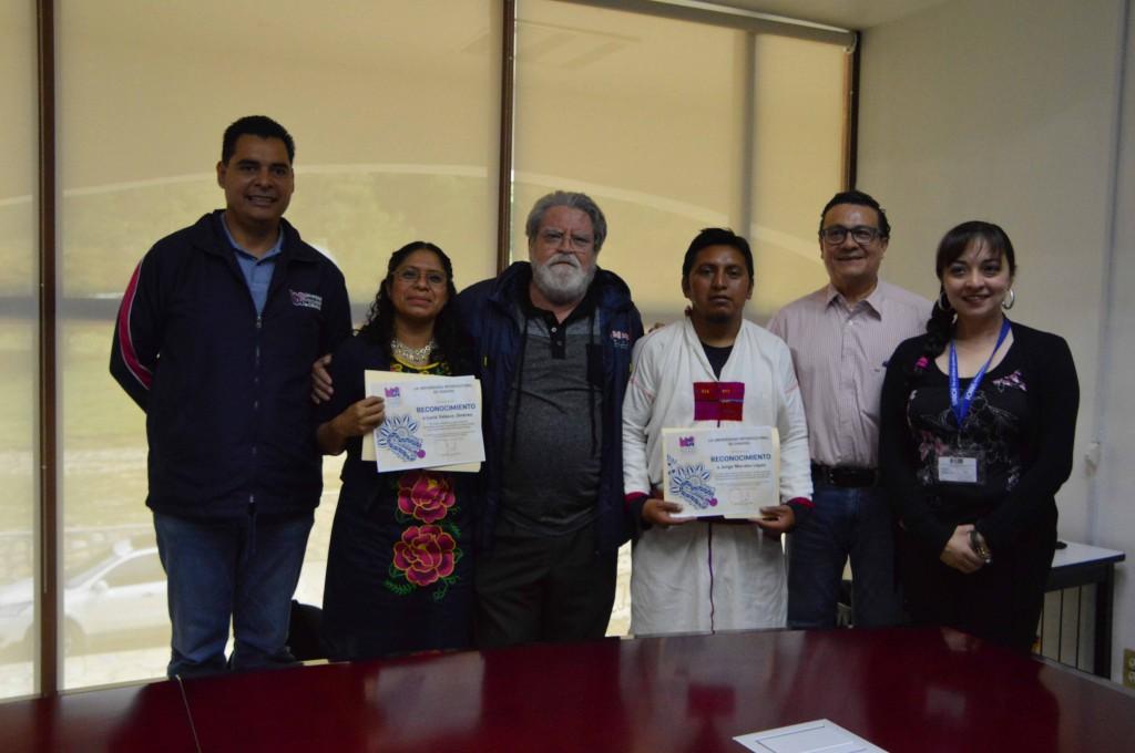 Universidad Intercultural de Chiapas, entrega reconocimientos a estudiantes destacados