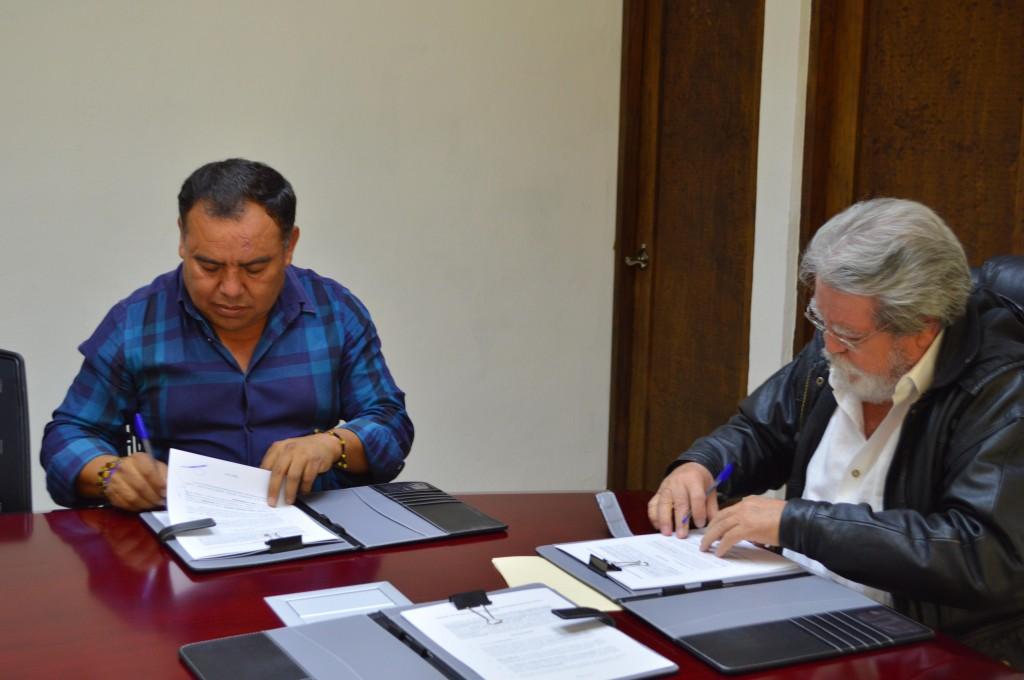 Firman UNICH y Teopisca convenio para la realización de Cirugías ambulatorias
